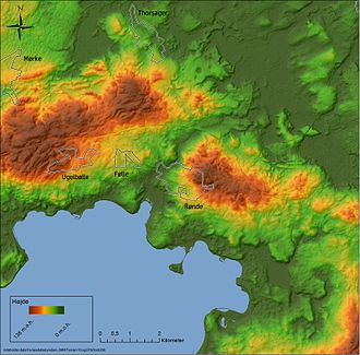 Rønde - Elevation map with town limits for the Rønde area. To the west the town is located in a glacial valley, and to the east it stretches up a moraine hill.