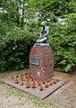 HH-Lohbrügge Denkmal 1914-1918 und 1939-1945 3.jpg