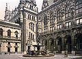 HH Rathaus Innenhof about 1890.jpg