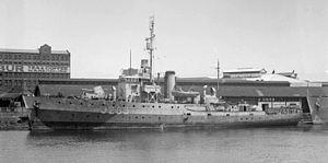 HMAS Bowen - Image: HMAS Boven SLV Allan Green 1
