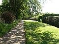 Hardwick Hall Garden - panoramio.jpg