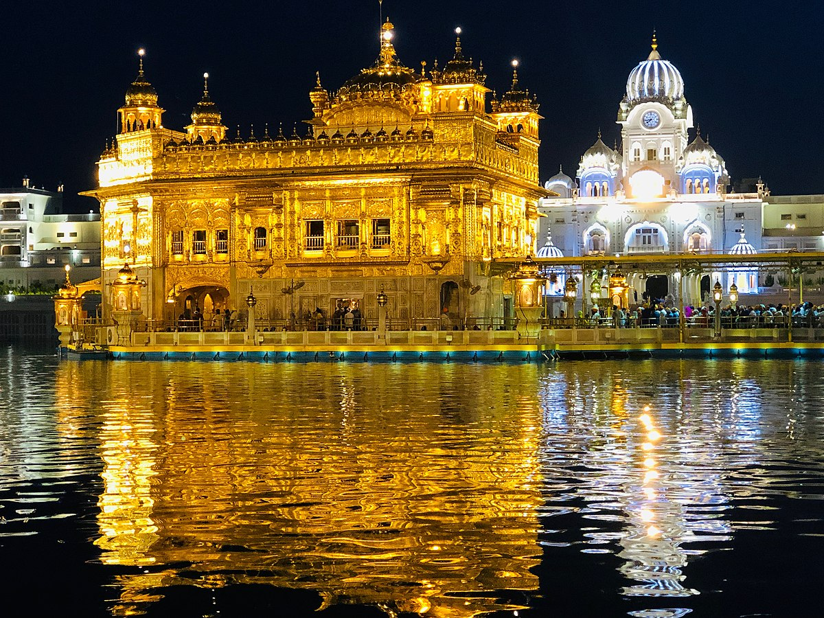 what is the population of amritsar