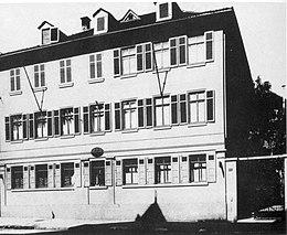 Hartmann-Reinbecksches Haus, Friedrichstraße 14, Stuttgart, Straßenseite, um 1890. (Quelle: Wikimedia)