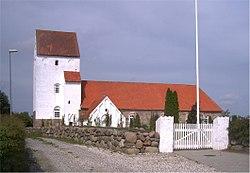 Holbæk Kirke (Rougsø).jpg
