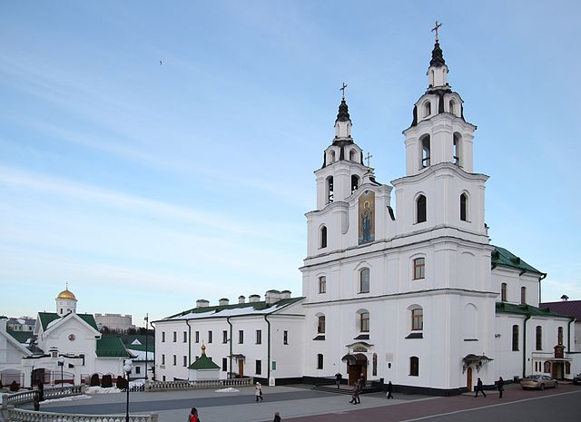 http://upload.wikimedia.org/wikipedia/commons/thumb/6/6e/Holy_Spirit_Cathedral_in_Minsk.jpg/640px-Holy_Spirit_Cathedral_in_Minsk.jpg?uselang=ru