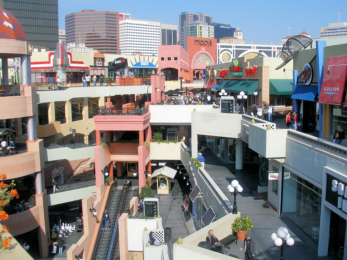Top 5 Things To Know About Horton Plaza Mall. Location: San Diego Horton Plaza mall is situated adjacent to the popular Gaslamp District in Downtown. This area offers the ideal spot to grab a drink or dinner after a long day of retail therapy.