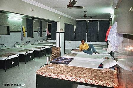 12-местная комната в хостеле г. Сурат (Индия).
