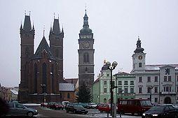 Velké náměstí s katedrálou Sv. Ducha a radnicí