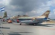 IAF F-16B Netz 017 CIAF 2004-3