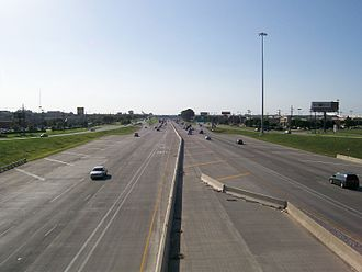 Interstate 35E (Texas) - IH-35E in Lewisville looking north from State Highway 121