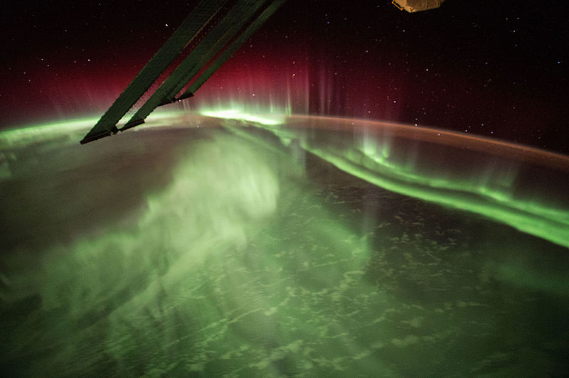 File:ISS-44 Night Earth Observation of an Aurora Australis.jpg