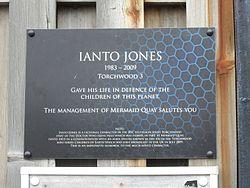Ianto jones plque   cardiff bay