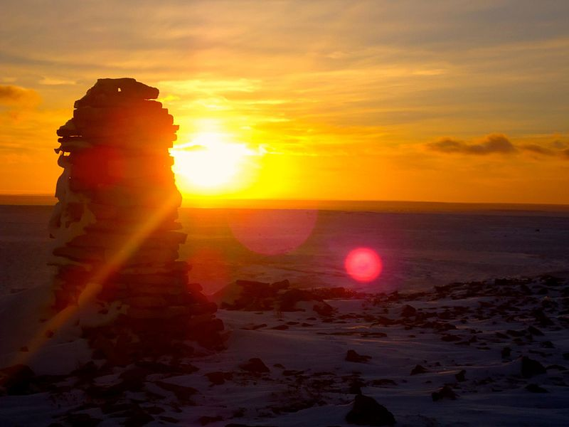 Sunset in Igloolik, Image: wikimedia.org/CC BY-SA 3.0/ Nunaview