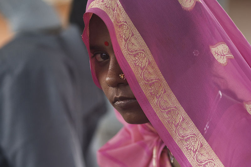 File:India - Delhi pink veil - 4551.jpg