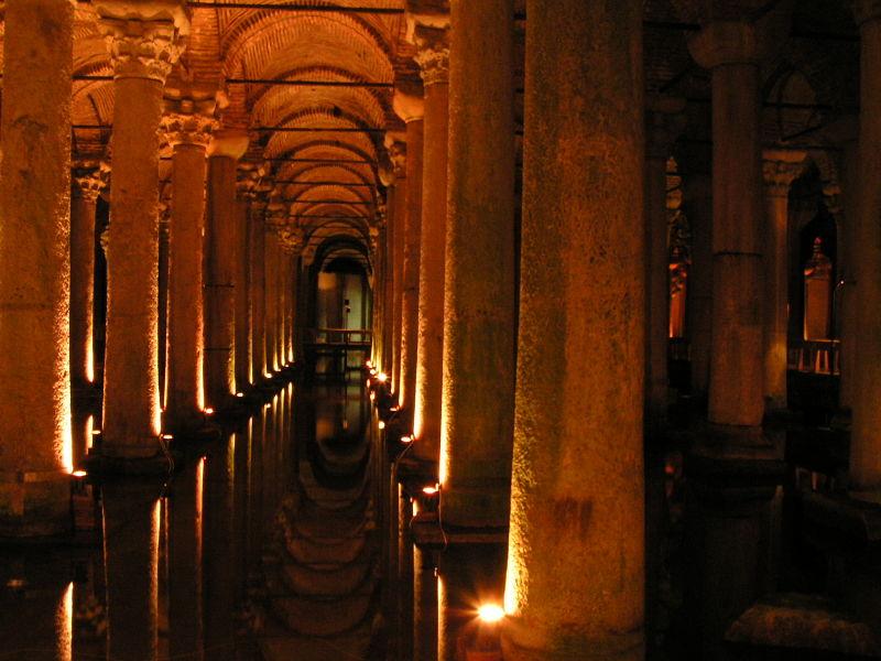 Fichier:Istanbul - Basilica Cistern - 01.JPG