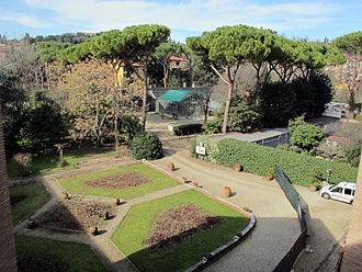 Istituto agronomico per l'oltremare - The gardens with the greenhouses