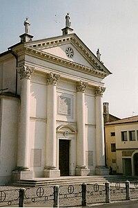 Istrana-église-façade.jpg