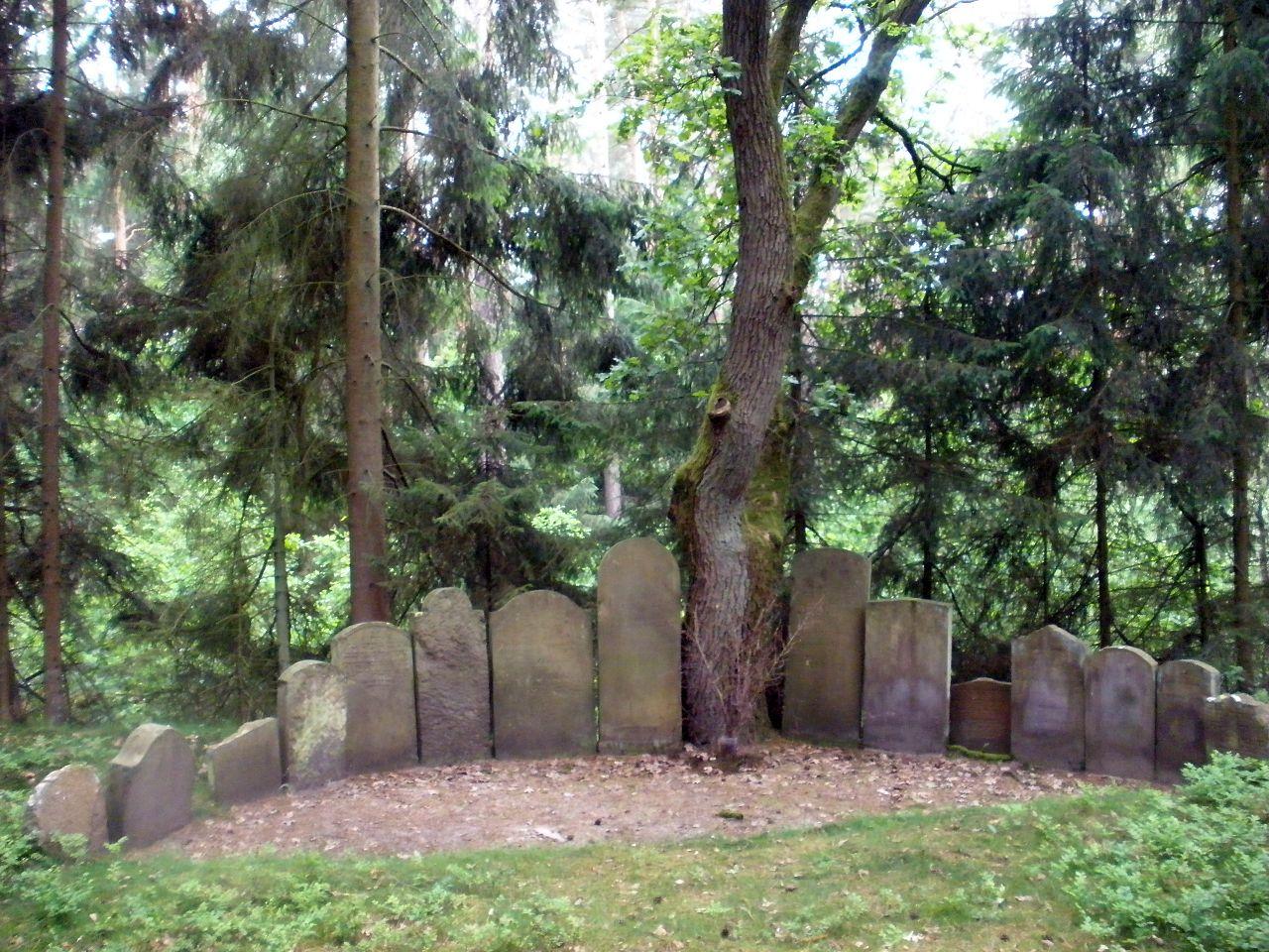 Jüdischer-friedhof-bleckede.JPG