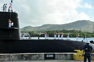JS Mochishio arrives in Apra Harbor, -6 Jan. 2012 a.jpg