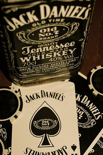 English: bottle of jack daniel's n°7 Français ...