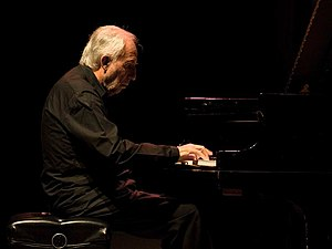 English: Jacques Loussier at the age of 74 Deu...