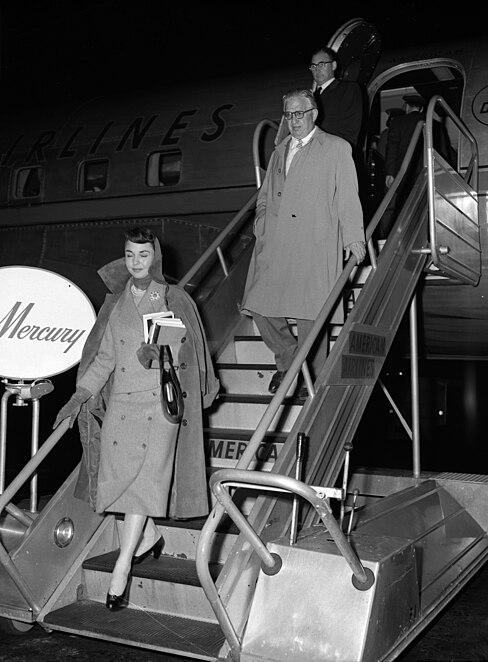 Jennifer Jones and husband David O. Selznick in Los Angeles, 1957