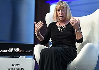 Jody Williams American teacher and aid worker