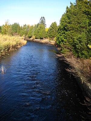 Jones River - Image: Jones River at Rt 3A and Rt 80