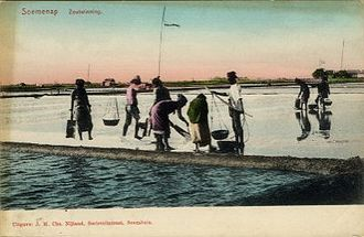 Sumenep Regency - Sumenep salt evaporation pond, around 1895-1908
