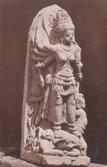 KITLV 87711 - Isidore van Kinsbergen - Sculpture of Durga from the Dijeng plateau - Before 1900.tif