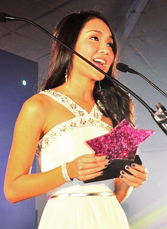Kathryn Bernardo - Bernardo presenting one of the awards at the 2013 Candy Style Awards.