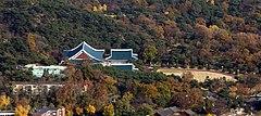 北漢山から見下ろした青瓦台全景