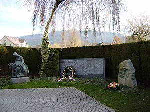 Kriegerdenkmal_in_Hörbranz_Vbg_Gesamtansicht.JPG