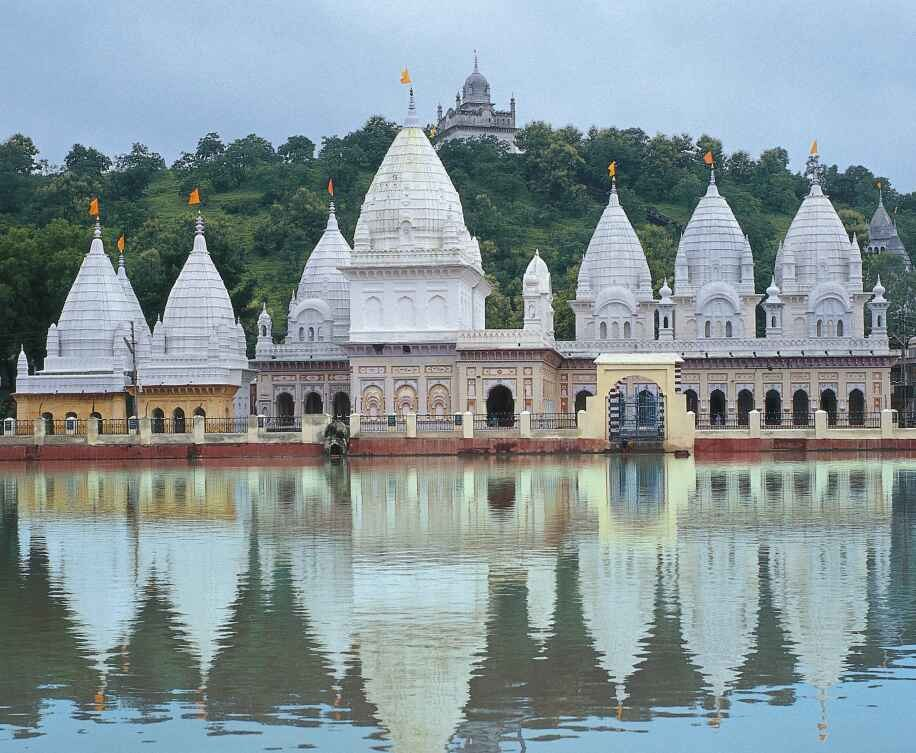 Jain temples at Kundalpur