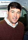 Kyle Chandler on the set of Broken City in New York, November 2011.jpg