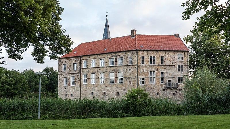 File:Lüdinghausen, Burg Lüdinghausen -- 2016 -- 3552.jpg