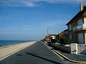 Ver-sur-Mer - The seafront promenade (Boulevard de la Plage)