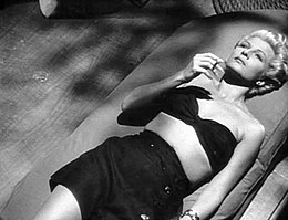Lady from Shanghai trailer hayworth1.JPG