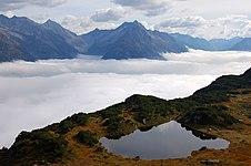 Lake near Sunnig Grat summit.JPG