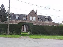 Lanchy (Aisne) mairie-école.JPG