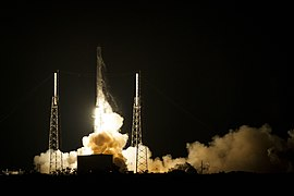 Launch of Falcon 9 carrying CRS-5 Dragon (16699496705).jpg