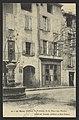 Le Buis (Drôme) - Fontaine de la Place aux Herbes (34317317291).jpg