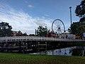 Leiden - Brug met kermis.jpg
