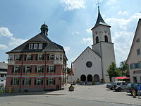 Lenzkirch Kirche Rathaus.jpg