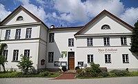 Lindenstr. 1 Altes Schulhaus Schoenau Tuntenhausen-1.jpg
