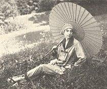 Lo Hesse um 1918.jpg