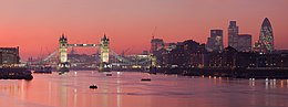 London Thames Sunset panorama - Feb 2008.jpg