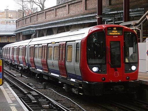 London Underground 21319