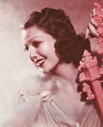 Publicity photo of Loretta Young for Argentine...