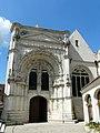 Loudun église St Pierre portail (1).JPG